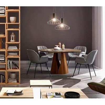 Stôl z kolekcie MONO je dizajnovým prvkom s výrazným, silným charakterom, ktorý priťahuje osobitnú pozornosť vďaka jedinečnej podobe podstavca a nezvyčajnému tvaru drevenej dosky stola. Tento stôl kombinuje vysokokvalitné materiály ako prírodné masívne drevo a pevnú oceľovú konštrukciu nohy, ktoré prispievajú k vysokej pevnosti tohto nábytku. Vďaka premyslenému dizajnu vyzerá stôl mimoriadne esteticky. Stolová doska je vyrobená z masívneho dreva, ktoré vám umožní vychutnať si jej prírodnú krásu po mnoho rokov.  MONO je luxus vo svojej čistej podobe, ktorý dokonale podčiarkne každú obývaciu izbu. 🛒 Presvedčte sa sami : https://www.homieconcept.sk/mono?path=75  Viac dizajnového nábytku nájdete na našom webe 💻👉 https://www.homieconcept.sk/nabytok ______________________________________________________ #homieconcept #dizajnovynabytok #sedacka #interior #design #home #interiordesign #interiorstyle #ostavamdoma #interiorlove #homedesign #homedecor #homestyle #homegoals #living #lifestyle #trends #sofa #architect #3dmodels #coronavirus #bratislava #ostandoma